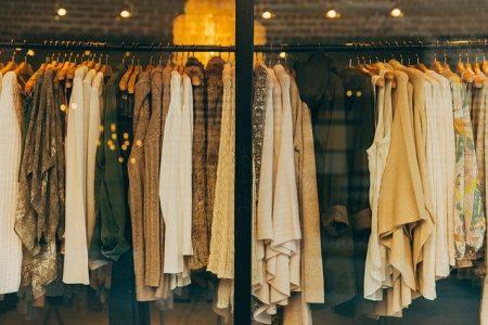 Baju Baru vs. Baju Lama Saat Lebaran