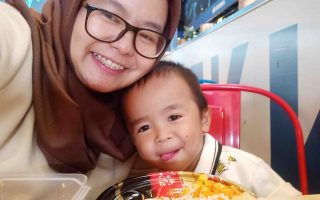 Balada Mencari Tempat Makan Ramah Anak