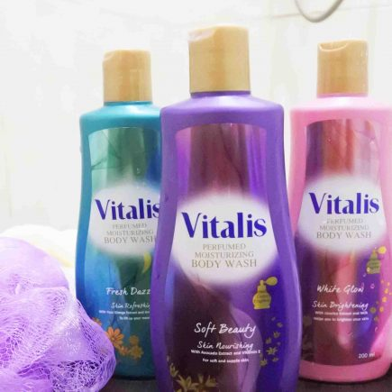 Bersih-bersih Sembari Mandi Parfum dengan Vitalis Body Wash