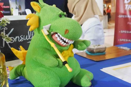 Cara Menjaga Kesehatan Gigi Anak Sejak Dini
