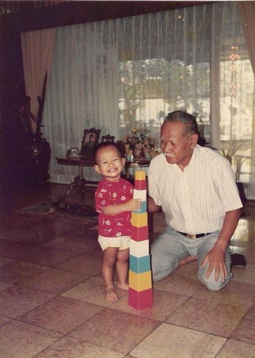 I Miss You, Akung!