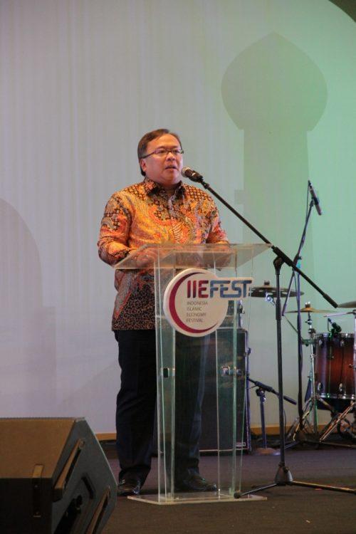 Bpk Bambang P S Brodjonegoro - Menteri PPN Kepala Bappenas selaku Sekertaris Dewan Pengarah KNKS - Langkah Mewujudkan Halal Lifestyle di Era Milenial