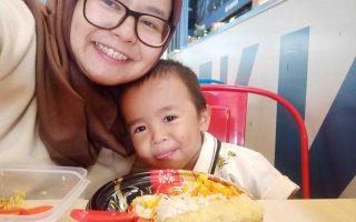 Orang Tua mempengaruhi pola makan anak