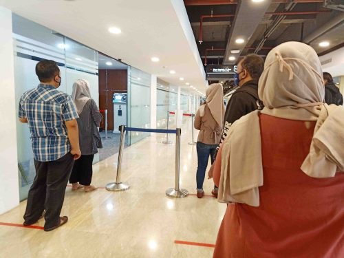 Antri masuk MPP Kota Bogor