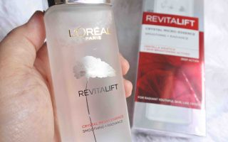 Mencoba Essence Wajah L'Oreal Paris Revitalift Crystal Micro Essence