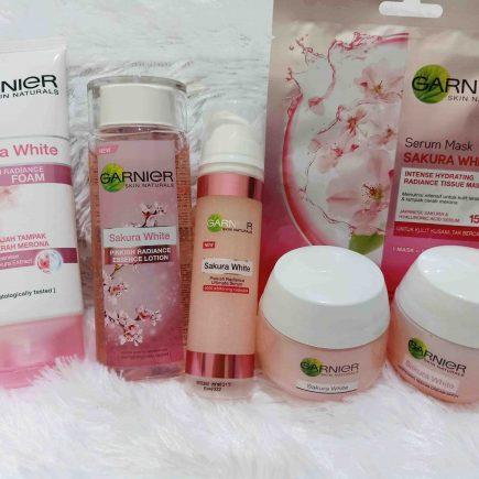 Mencoba Rangkaian Produk Garnier Sakura White Series