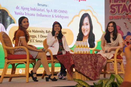 Yunita Triyana dr Ajeng Indriastari Talkshow Sedia Multivitamin Sebelum Hujan