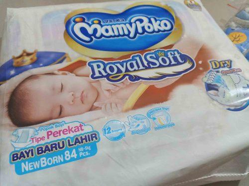 Pengalaman Memilih Popok Bayi Baru Lahir MamyPoko Royal Soft