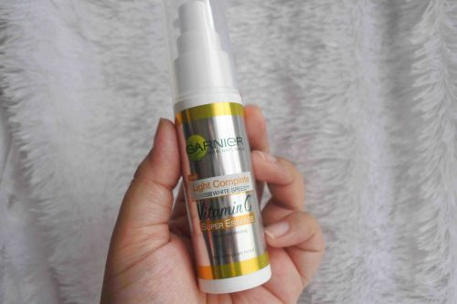 Review Garnier Light Complete Super Essence