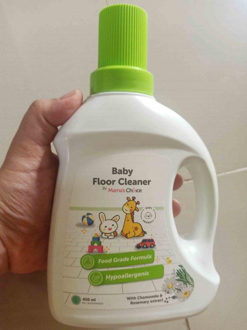 Review Mama's Choice Baby Floor Cleaner, si Pembersih Lantai Anti Bakteri