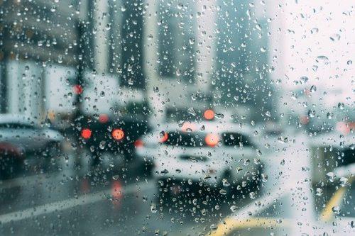 hujan di mobil