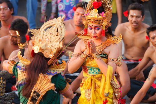 Tips Menonton Tari Kecak di Pura Uluwatu, Bali