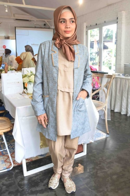 OOTD Office Look Shafira - An Inspiring Journey with Shafira and Komunitas ISB