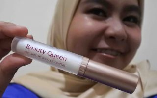 Review Mustika Ratu Beauty Queen High Shine Metallic Lip Coating